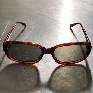 ⭐️GUESS?⭐️Tortoise Sunglasses